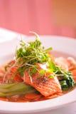 新鲜的烤鳟鱼 免版税库存图片