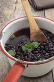 新鲜的煮熟的黑豆 免版税库存图片