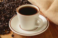 新鲜的煮的咖啡 免版税库存图片