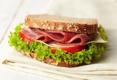 新鲜的熟食店三明治 免版税库存图片