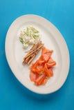 新鲜的牌照三文鱼熏制的白色 库存照片