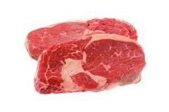 新鲜的牛腰肉排,隔绝在白色 库存图片