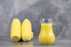 新鲜的玉米和玉米牛奶 免版税库存照片