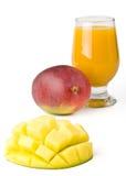 新鲜的玻璃汁液芒果 免版税库存图片