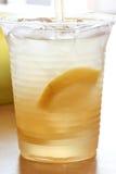 新鲜的石灰柠檬水 免版税图库摄影