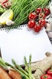 新鲜的笔记本开放蔬菜 免版税库存照片