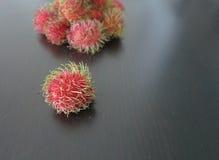 新鲜的红毛丹 免版税库存图片