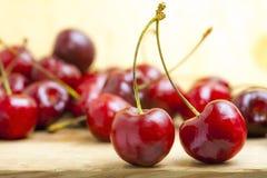 新鲜的红色樱桃 库存照片