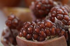 新鲜的红色水多的石榴有机果子 对健康的饮料和饮食 库存照片
