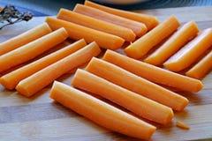 新鲜的红萝卜方形的风景特写镜头 免版税库存照片