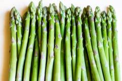 新鲜的绿色芦笋,健康有机素食主义者食物 免版税库存照片