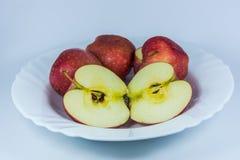 新鲜的美味红色苹果 免版税库存图片