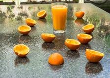 新鲜的自创橙汁 免版税库存图片
