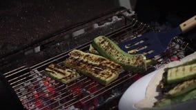 新鲜的自创绿色夏南瓜烤了 影视素材