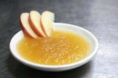 新鲜的自创苹果酱 库存照片