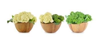 新鲜的花椰菜和硬花甘蓝在白色背景 免版税库存图片