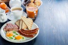 新鲜的英式早餐 免版税库存照片
