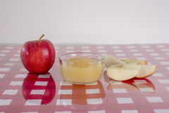 新鲜的苹果酱 库存图片