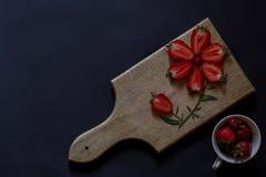 新鲜的草莓 称呼启发的食物 有机果子 免版税库存照片