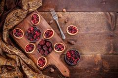 新鲜的莓果果子馅饼 免版税库存照片