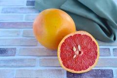 新鲜的葡萄柚 免版税库存图片
