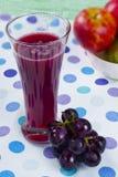 新鲜的葡萄汁 免版税库存照片