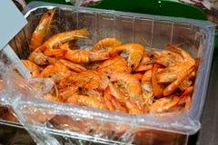 新鲜的虾,海鲜,海纤巧食物市场 免版税库存照片