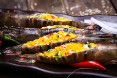 新鲜的虾-盐味的鸡蛋 库存图片