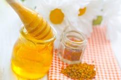新鲜的蜂蜜 免版税库存图片