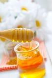 新鲜的蜂蜜 图库摄影