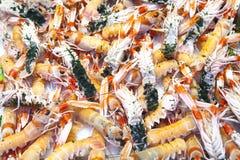 新鲜的蝉虾在鱼市上 图库摄影