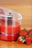 新鲜的被制成菜泥的草莓 库存图片