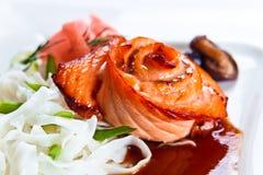 新鲜的被烘烤的三文鱼 免版税库存照片