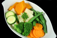 新鲜的被蒸的蔬菜 免版税库存图片