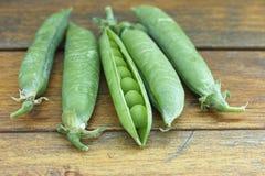 新鲜的豌豆荚 免版税库存照片