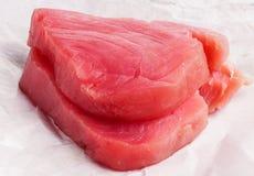 新鲜的金枪鱼牛排 免版税库存图片