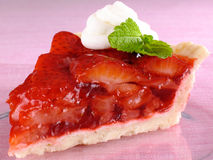 新鲜的饼草莓 免版税图库摄影