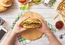 新鲜的鲜美汉堡的图象 图库摄影