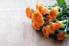 新鲜的黄色玫瑰花束  免版税库存照片