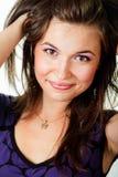新鲜的头发愉快的健康妇女年轻人 免版税库存照片