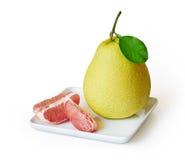 新鲜的水多的柚果子 免版税库存照片