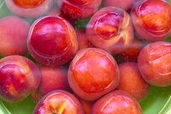 新鲜的水多的桃子果子 库存图片