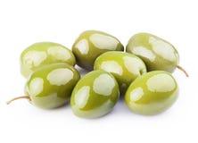 新鲜的绿橄榄 免版税库存图片