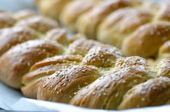 新鲜的结辨的面包 库存图片