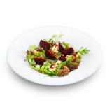 新鲜的素食食家沙拉用被烘烤的甜菜根和乳酪 免版税图库摄影