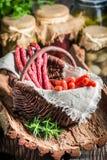 新鲜的kabanos香肠在餐具室 免版税库存图片