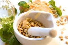 新鲜的pesto产品 免版税库存图片