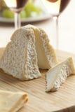 新鲜的Pouligny圣皮埃尔乳酪 免版税库存照片