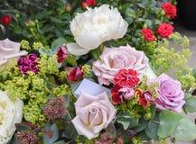 新鲜花束的花 库存图片