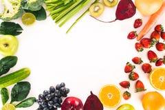 新鲜蔬菜、果子和莓果 库存图片